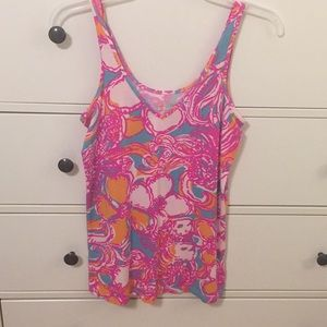 Lilly Pulitzer tank top, fits to body